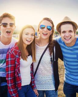 zdjęcie nastolatków